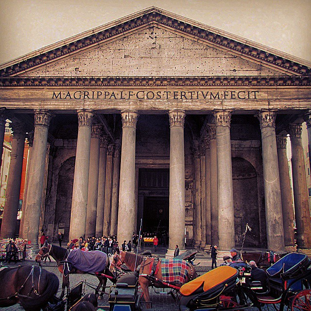 Outside the Pantheon. #europeanencounter #pantheon #romanpantheon #thepantheon #roman #roma #rome…