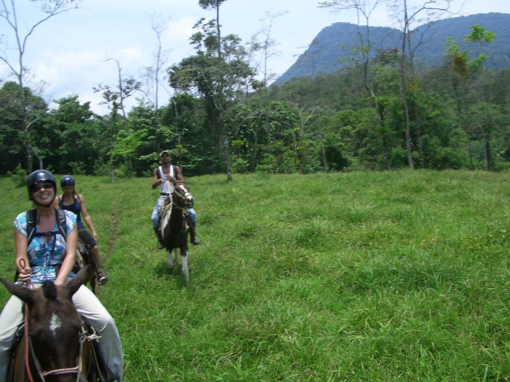 Horseback Riding in La Fortuna - Horse riding in Costa Rica