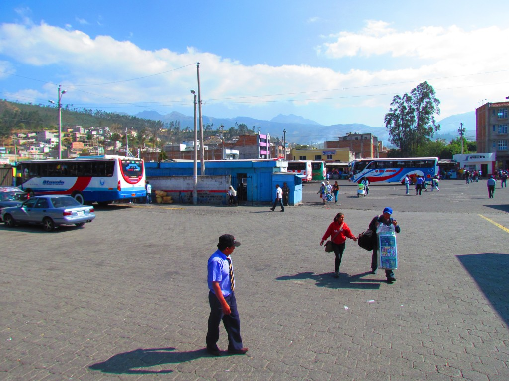 Otavalo market - bus station