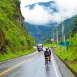 Cycling from Baños to Puyo