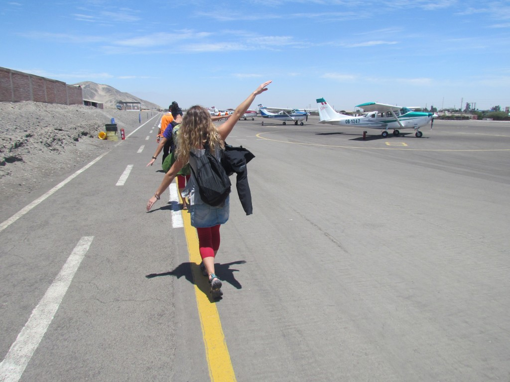 Flying over Nazca - imitating planes