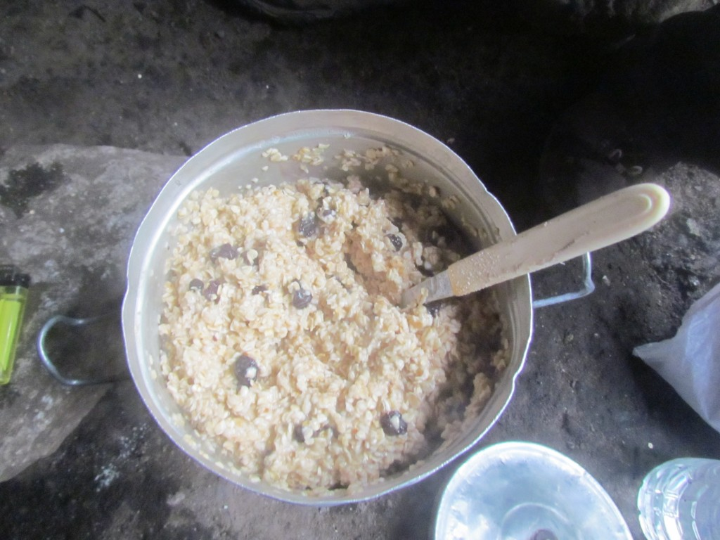 tips on hiking the W trek - breakfast porridge