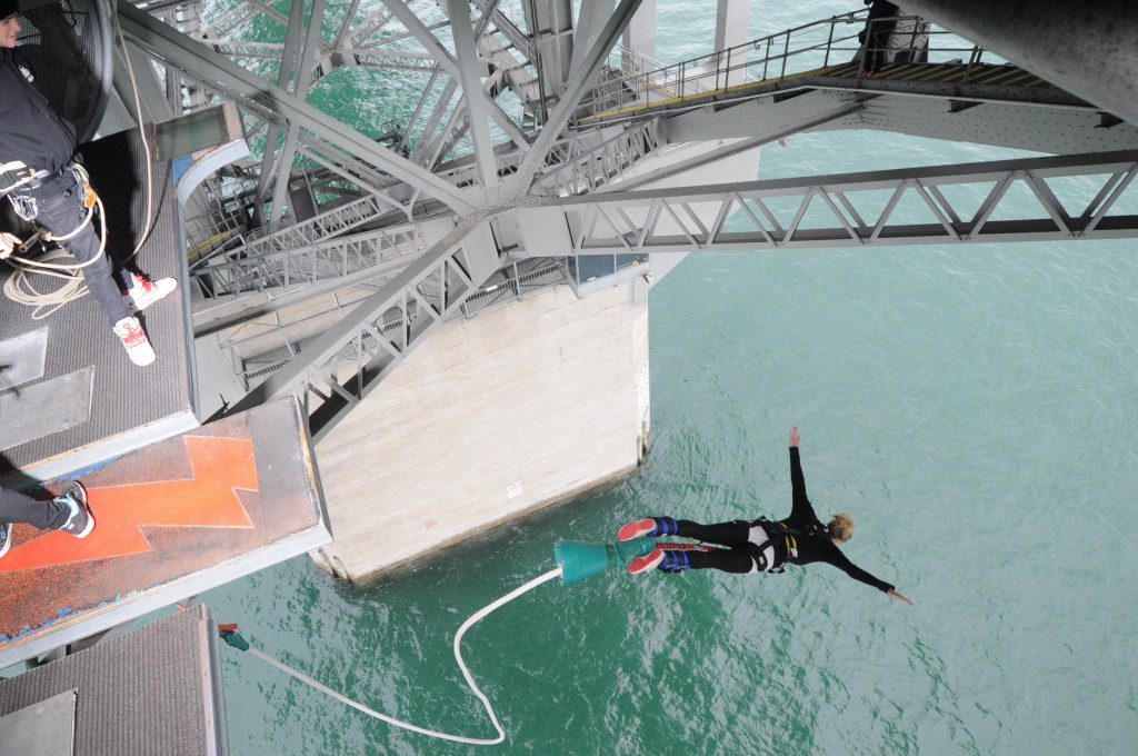 Auckland Harbour Bridge Bungy - El almost there