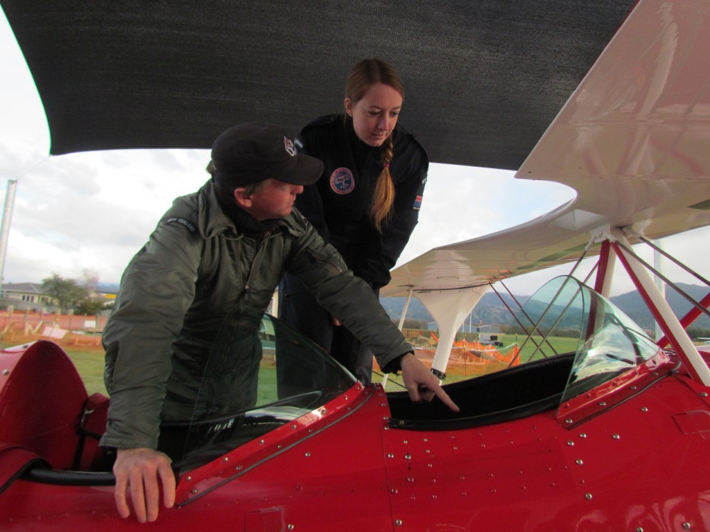 Learn to Fly a stunt plane in Abel Tasman - a quick lesson