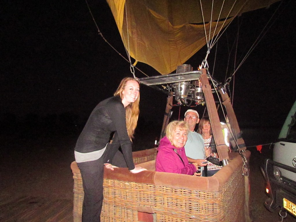 Outback Ballooning in Alice Springs - climbing in the basket