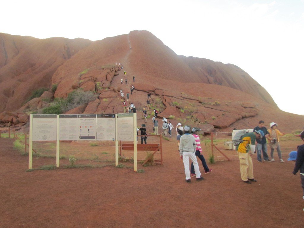 Ayers Rock Facts - climbing