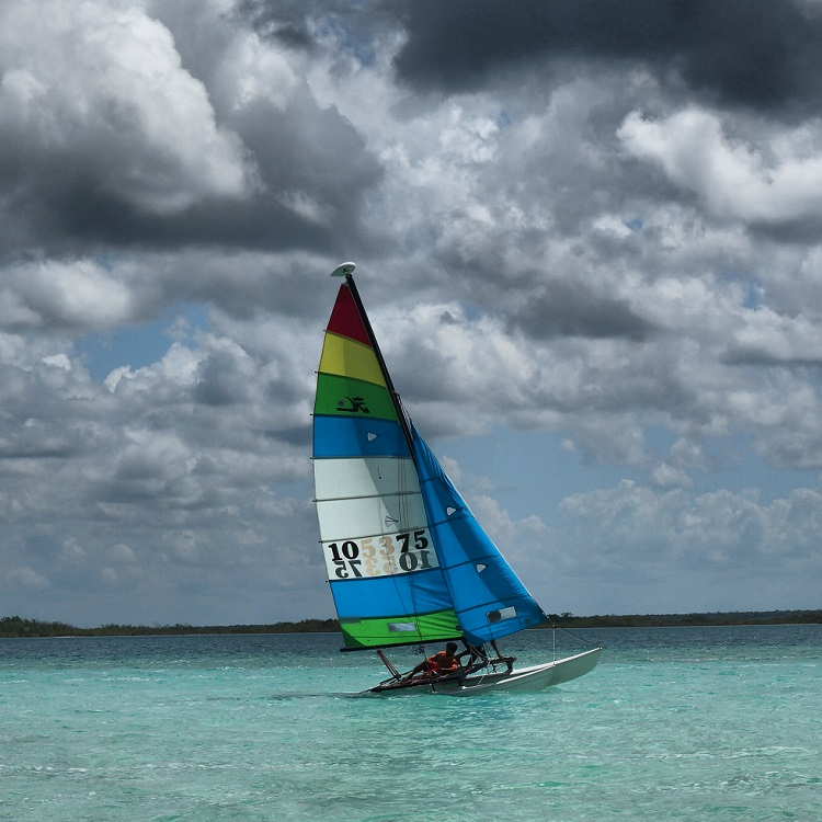 Laguna Bacalar - Sailing and Catamaran Trips
