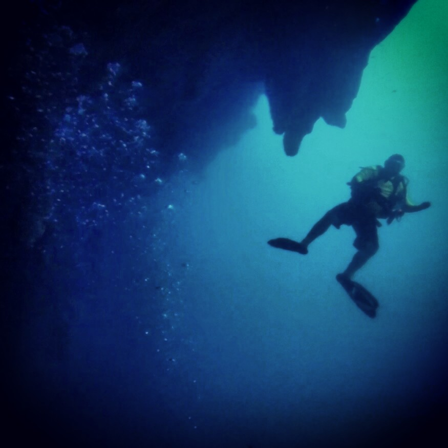 Diving the Great Blue Hole in Belize - In the Depths