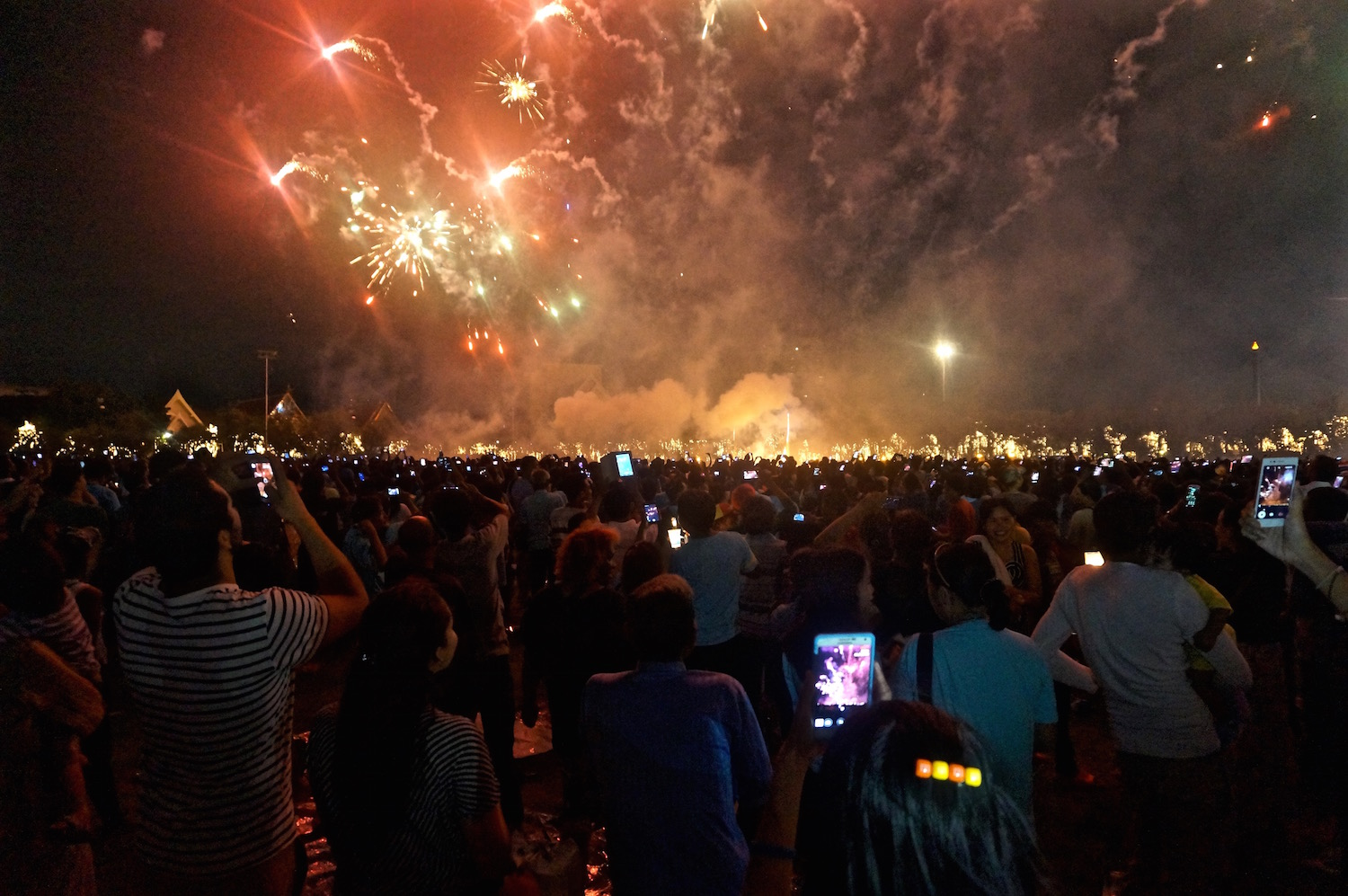Bangkok Top 10 - Sanam Luang Fireworks for the Queen's Birthday