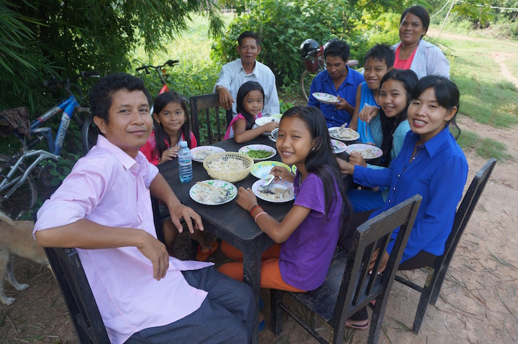 Living Like a Local in Cambodia - My Homestay Experience - the family