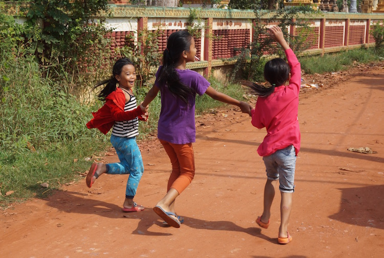 Living Like a Local in Cambodia - My Homestay Experience - the children