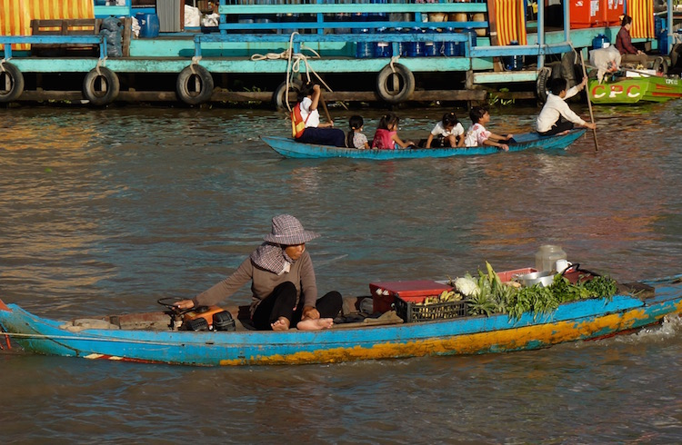 Floating Villages on Tonle Sap Lake - Floating Market