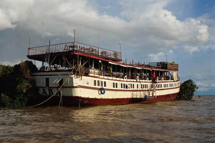 Floating Villages on Tonle Sap Lake -  Tara Riverboat