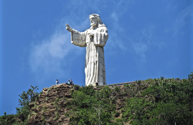 Things to do in San Juan del Sur, Nicaragua - Walk to the Statue of Christ