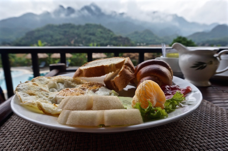 Mai Chau Ecolodge - Breakfast with a View