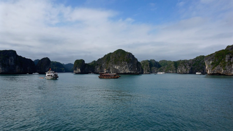 Vietnam Travel Tips - Halong Bay - Castaway Island Tour - Vietnam Backpacker Hostels