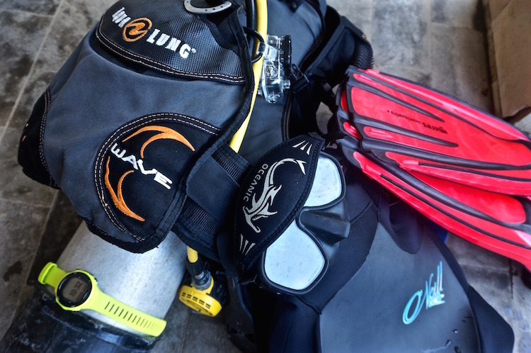 PADI Divemaster Course - Blue Marlin Komodo - Dive Equipment