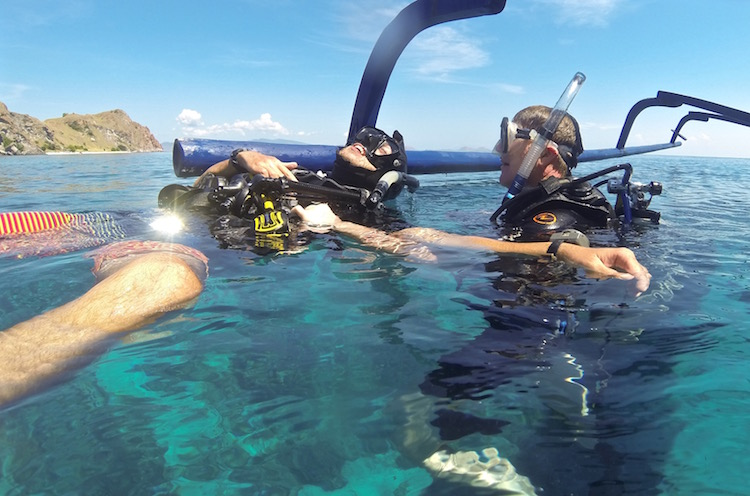 PADI Divemaster Course - Week 5 - Blue Marlin Komodo - Tired Diver Tow